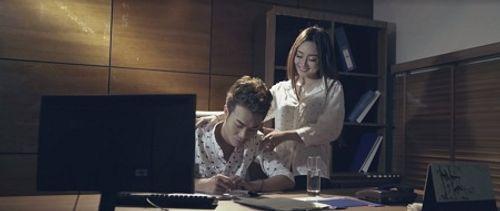 Vợ của nam ca sỹ Lương Gia Hùng mắc bệnh hiểm nghèo trong MV mới - Ảnh 1