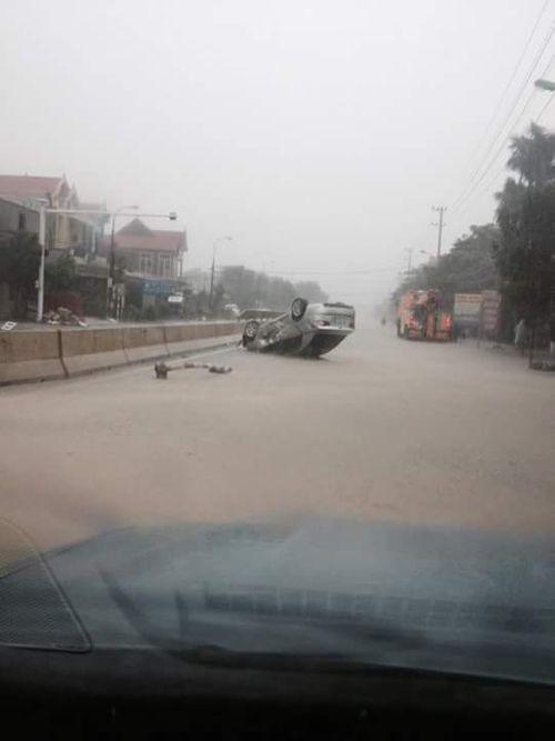 Dân mạng xót thương cư dân miền Trung oằn mình trong lũ lụt - Ảnh 3