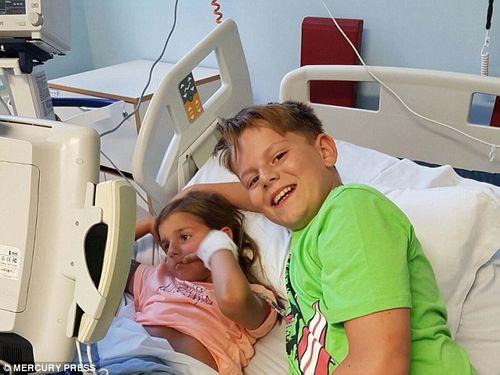 Cậu bé 11 tuổi cứu sống em gái nhờ việc thường xuyên cười đùa cùng em - Ảnh 4
