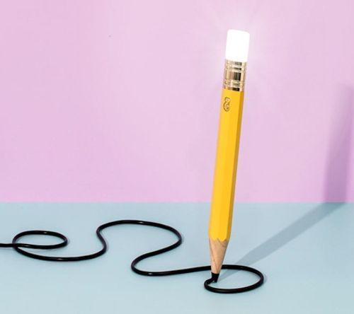 Ngắm những thiết kế đèn bàn lấy ý tưởng từ… bút chì - Ảnh 1