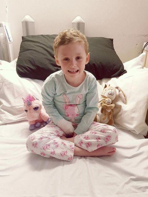 Người cha chia sẻ ảnh về cuộc chiến ung thư giai đoạn cuối của con gái - Ảnh 2