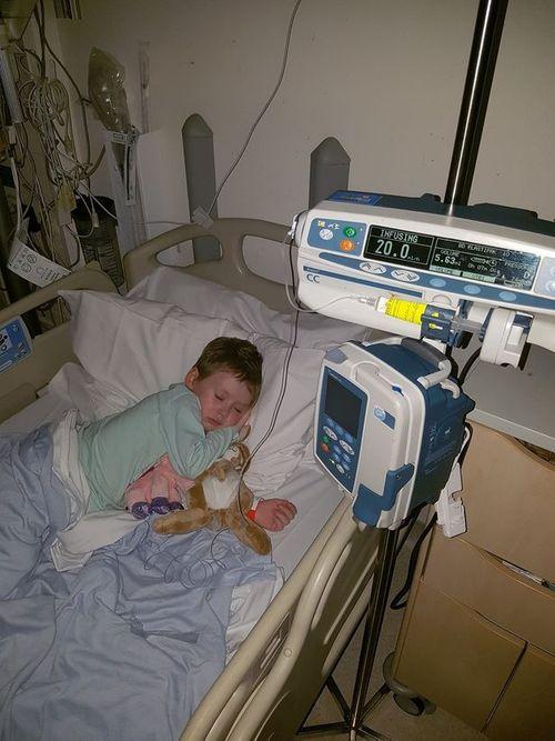 Người cha chia sẻ ảnh về cuộc chiến ung thư giai đoạn cuối của con gái - Ảnh 3