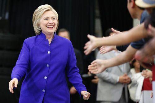 Hậu so găng, bà Clinton gia tăng ưu thế tại nhiều bang chiến địa - Ảnh 1