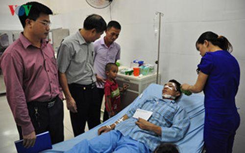 Cấp cứu tích cực các công nhân vụ nổ mìn khai thác than ở Quảng Ninh - Ảnh 2