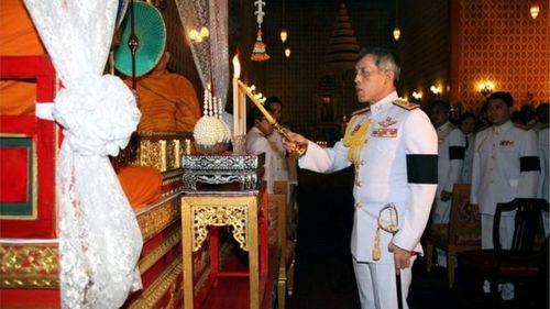 """Thái tử Thái Lan muốn trì hoãn đăng quang """"ít nhất 1 năm"""" - Ảnh 1"""
