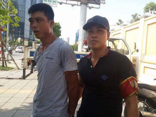 Hà Nội: Gặp 141, vứt xe máy bỏ chạy thục mạng - Ảnh 2