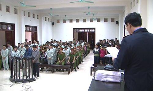 """Tiếp tục xét xử hơn 100 đối tượng  vụ đánh bạc """"khủng"""" tại Quảng Ninh - Ảnh 1"""