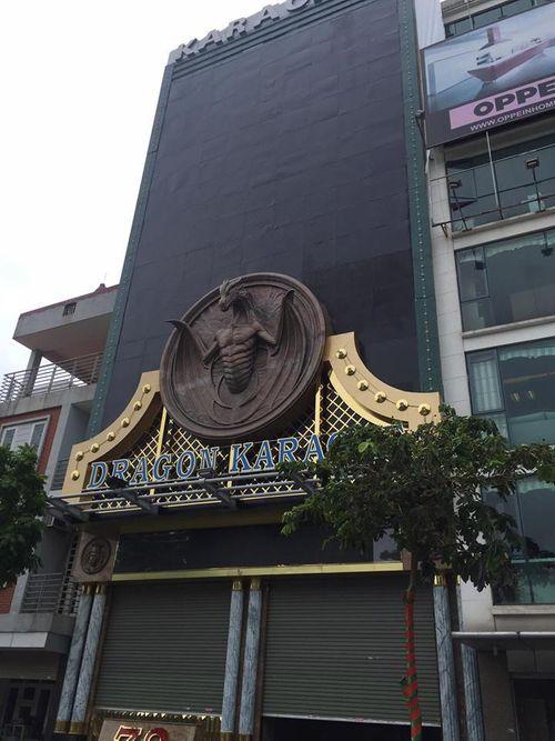 Từ vụ cháy ở 68 Trần Thái Tông: Hiểm họa sau những 'siêu biển quảng cáo' - Ảnh 4