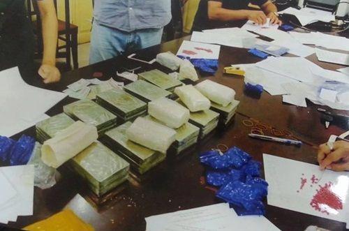Trinh sát tỉnh Yên Bái vây bắt thành công đối tượng vận chuyển 20 bánh heroin