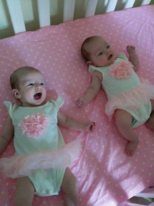 Kỳ lạ hai chị em ruột sinh cách nhau 10 ngày - Ảnh 4