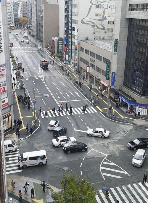 Bất ngờ với hố tử thần của Nhật Bản lành lại chỉ sau 2 ngày - Ảnh 2