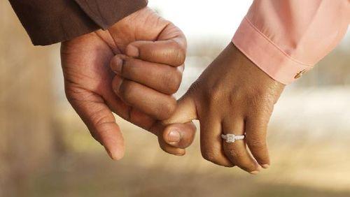 Người đàn ông kiện vợ chưa cưới chỉ để đòi lại nhẫn đính hôn - Ảnh 1