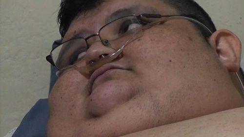 Người đàn ông nặng 500kg nỗ lực ăn kiêng để tự cứu lấy mình - Ảnh 1