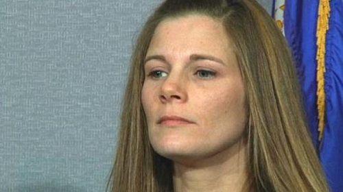 Bà mẹ kiện con trai tự ý phẫu thuật chuyển giới mà không xin phép - Ảnh 1