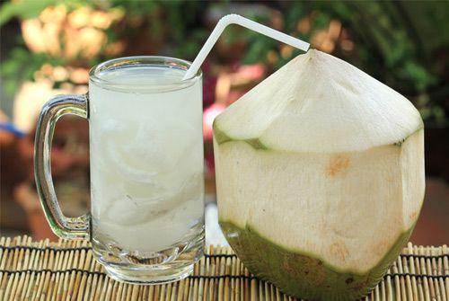 Tiết lộ thời điểm trong ngày uống nước dừa tốt nhất cho mẹ bầu - Ảnh 3