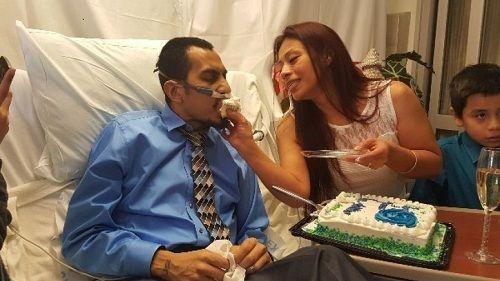 Rơi nước mắt chứng kiến lễ cưới của người đàn ông ung thư trước giờ qua đời - Ảnh 1