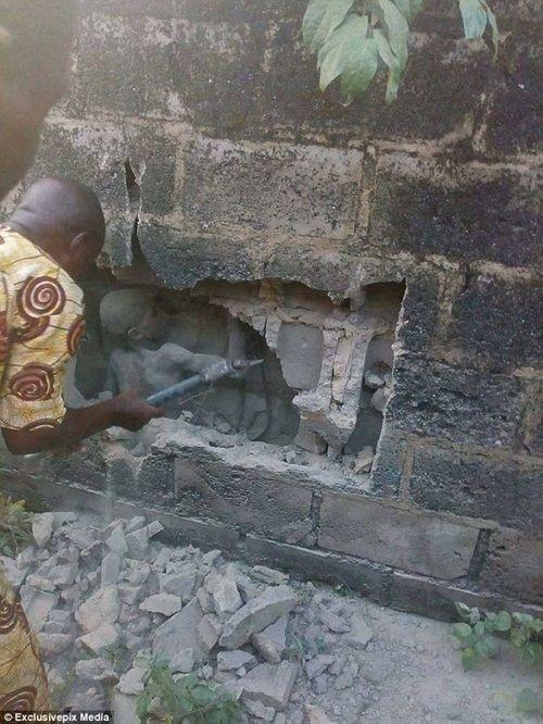 Cậu bé 12 tuổi sống sót kỳ diệu sau 3 ngày bị mắc kẹt ở khe tường - Ảnh 2