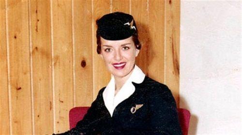 Kỳ lạ: Nữ tiếp viên hàng không 80 tuổi vẫn chưa muốn về hưu - Ảnh 2