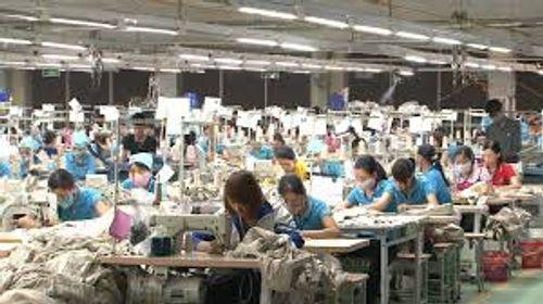 Lao động ngành dệt may đã tăng 12% lương - Ảnh 1