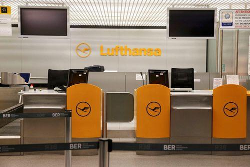Nhân viên hãng bay đình công, gần 900 chuyến bay ở Đức bị hủy - Ảnh 1