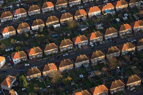 Nhà ở Anh bớt khủng hoảng nhờ du học sinh giàu - Ảnh 1