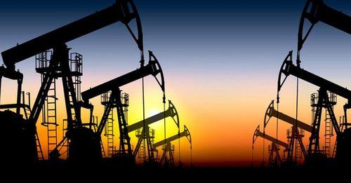 Giá dầu tăng vọt sau khi OPEC đạt được thỏa thuận giảm sản lượng - Ảnh 1