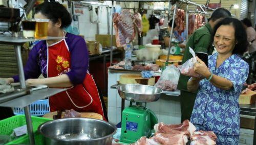 Lùi ngày thí điểm truy xuất nguồn gốc thịt lợn ở TP HCM - Ảnh 1