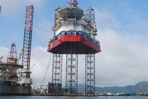 """PVN """"kêu"""" khó khăn do giá dầu giảm sâu - Ảnh 1"""