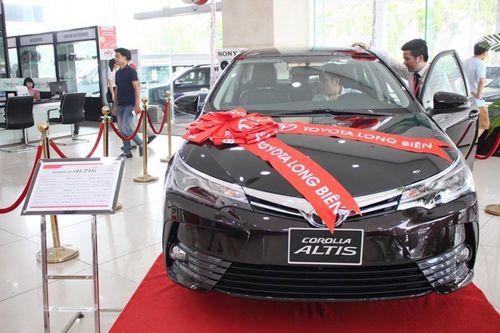 Toyota Corolla Altis 2017 giảm giá khủng dù vừa mở bán - Ảnh 1
