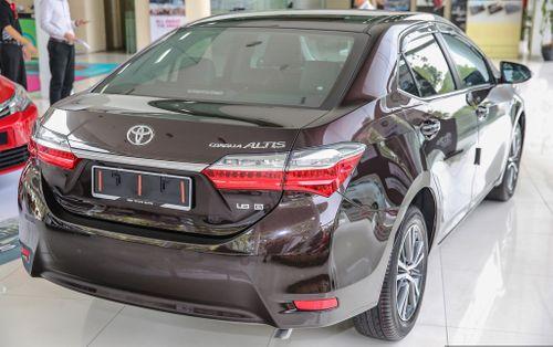 Toyota Corolla Altis 2017 giảm giá khủng dù vừa mở bán - Ảnh 2