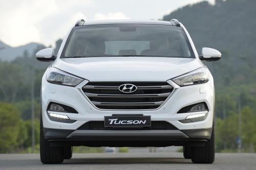 """Hyundai Tucson 2017 giảm sốc 130 triệu đồng, """"cuộc chiến"""" thị phần ngày càng khốc liệt - Ảnh 1"""