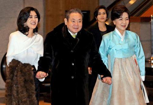 Điểm danh 10 gia tộc giàu nhất châu Á - Ảnh 1