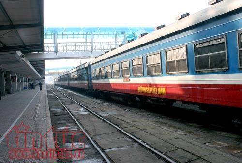 Đường sắt tiếp tục bán vé 10 nghìn vé giá rẻ - Ảnh 1