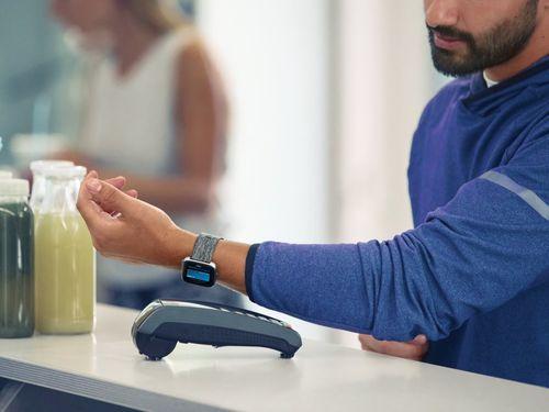 Đối thủ Apple Watch tung đồng hồ thông minh giá rẻ chỉ 200 USD - Ảnh 3