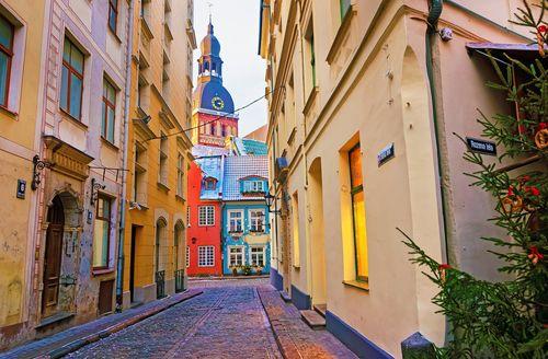 Top 5 điểm du lịch rẻ nhất châu Âu đẹp như trong cổ tích - Ảnh 3