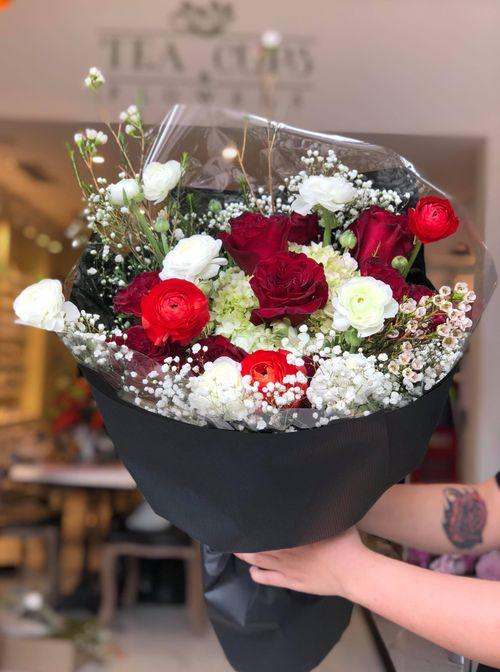 """""""Chán"""" hoa nội, cánh mày râu đặt hoa nhập khẩu giá vài trăm nghìn/bông ngày 8/3 - Ảnh 5"""