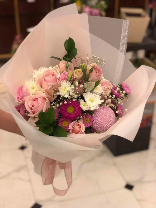 """""""Chán"""" hoa nội, cánh mày râu đặt hoa nhập khẩu giá vài trăm nghìn/bông ngày 8/3 - Ảnh 4"""