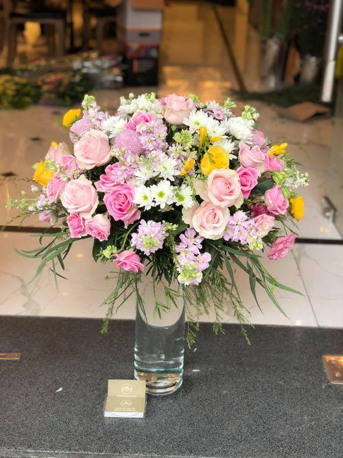 """""""Chán"""" hoa nội, cánh mày râu đặt hoa nhập khẩu giá vài trăm nghìn/bông ngày 8/3 - Ảnh 6"""