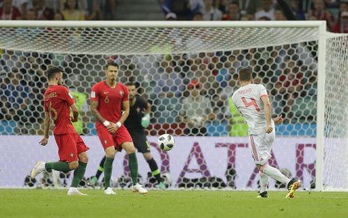 Những bàn thắng đẹp tại lượt trận thứ nhất vòng bảng World Cup 2018 - Ảnh 4