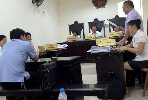 Tiến sĩ bị thu hồi bằng khởi kiện hành chính nguyên Bộ trưởng Bộ GD&ĐT - Ảnh 1
