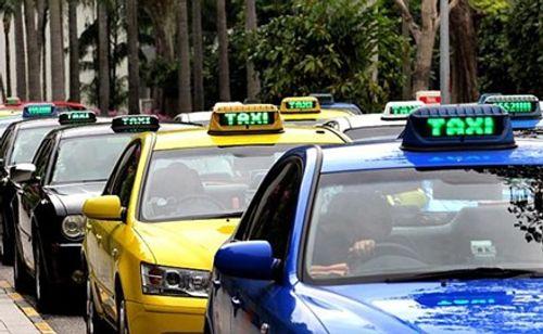 Thứ trưởng Bộ Tài chính trải lòng việc đi làm bằng taxi - Ảnh 1
