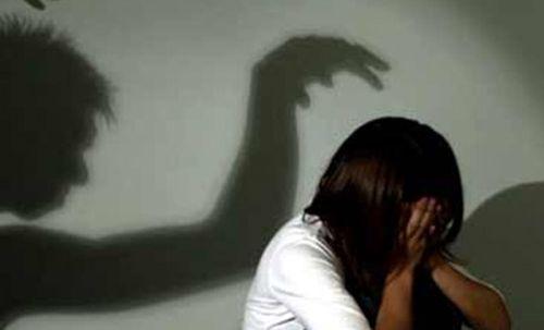 Bắt hung thủ quay lại cảnh nóng khi quan hệ với trẻ 12 tuổi - Ảnh 1