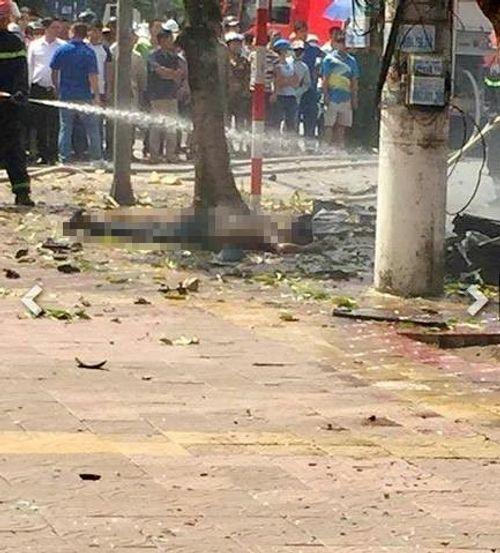 Hiện trường vụ nổ taxi kinh hoàng khiến 2 người tử vong - Ảnh 3