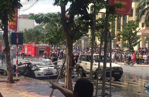 Hiện trường vụ nổ taxi kinh hoàng khiến 2 người tử vong - Ảnh 6