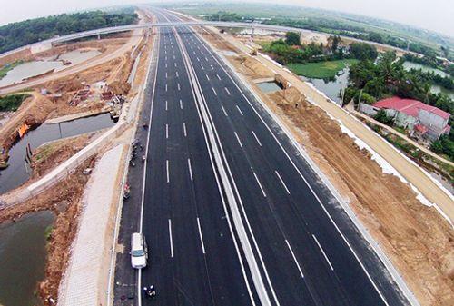 Đề xuất xây dựng tuyến đường bộ cao tốc Bắc - Nam dài 1.372km  - Ảnh 1