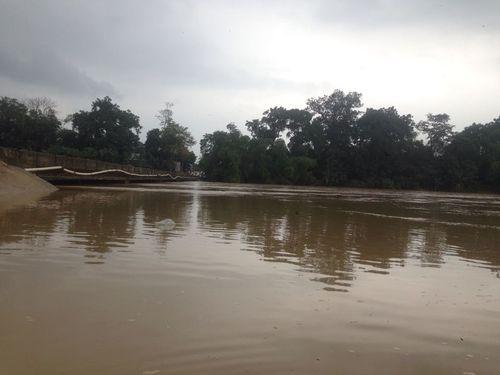 Mưa lớn diện rộng, hàng loạt hồ đập ở Hà Tĩnh thông báo xả lũ - Ảnh 2