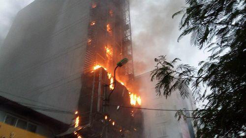 Cảnh báo hàng loạt vụ cháy lớn liên tục xảy ra ở các quán karaoke - Ảnh 2