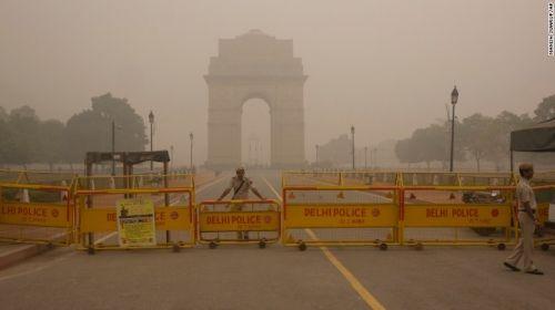 Ấn Độ áp quy định chạy xe theo ngày chẵn lẻ vì ô nhiễm không khí trầm trọng - Ảnh 1