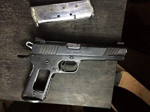 """Thu súng, lựu đạn trong nhà của """"trùm"""" ma túy  - Ảnh 1"""