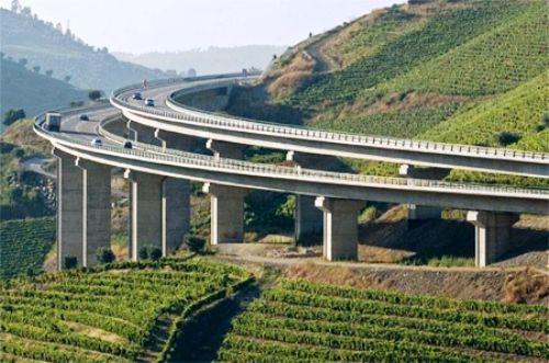 Đầu tư 14.000 tỷ đồng xây dựng đường cao tốc Vân Đồn - Móng Cái - Ảnh 1